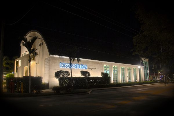 naples--architectural-lighting-commercial-outdoor-lighting-naples-florida-architectural-lighting-business-lighting.